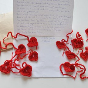 Edina bedankt sich mit 16 Herzen in Rot
