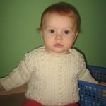 Babypullover mit Aranmuster