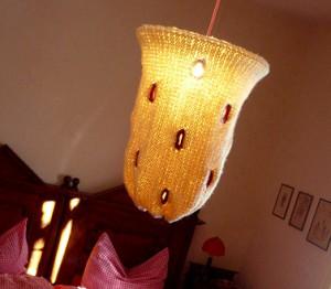 copyright: schlampenshop.com, gestrickter Lampenschirm