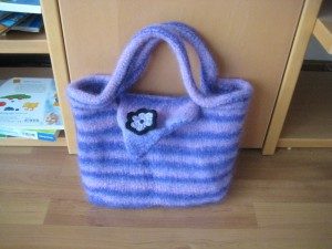 Gefilzte Stricktasche von Tanue