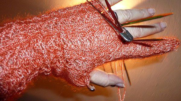 Handschuh mit Herzchen-Rippenmuster