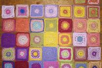 Häkeln, Granny Squares: Arbeit für Lila