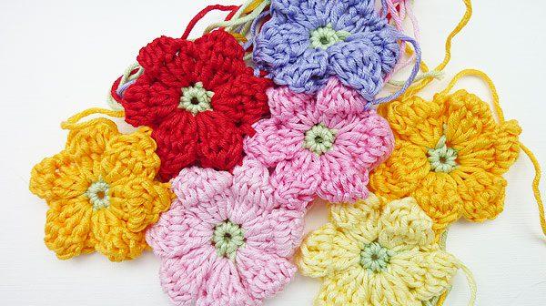 Häkeln: Babydecke aus Häkelblumen