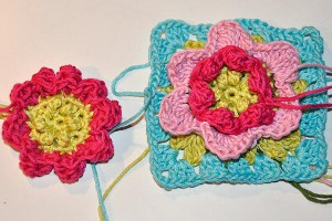 Hkeln: Granny Square &quot;Flower Fantasy&quot;