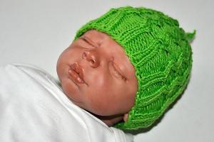 Stricken: Babymütze Wabenmuster