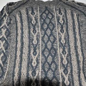 Pullover Zopfmuster, Aranmuster