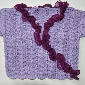 strickanleitung-pullover-lila-rueschen-1