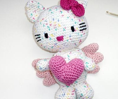 Hello Kitty Engel mit Herz