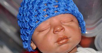 Häkeln * Babymützchen mit Büschelmaschen
