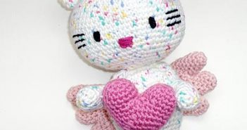 Crochet Pattern * Hello Kitty Angel with Heart