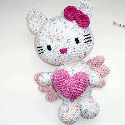 Crochet Pattern Hello Kitty Angel With Heart Stricken Und Häkeln
