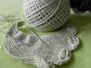 Knitting Pattern Triangle Scarf With Leaves Border Stricken Und