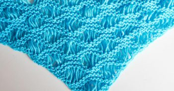 "Knitting Pattern * Triangle Scarf ""Hannibal"" reversible"
