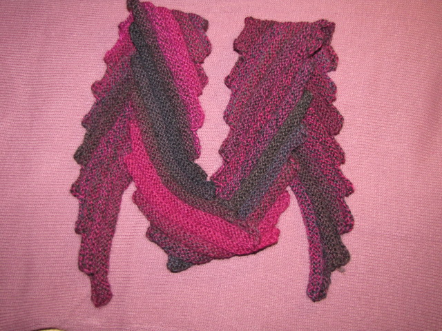 schräg gestrickter Schal