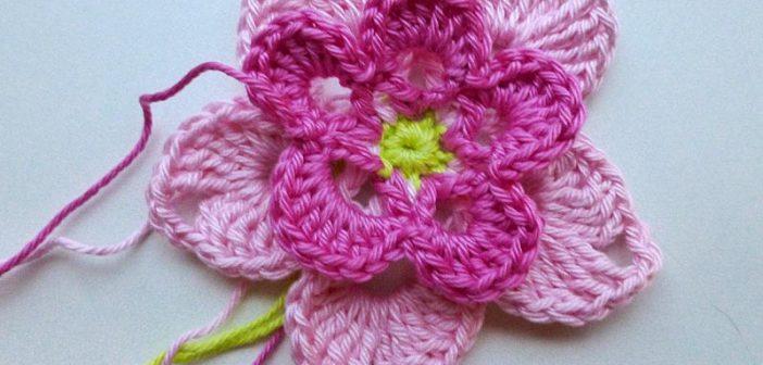 """Adventskalender * 22. Dezember * Häkelblüte """"Magnolia"""""""