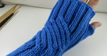 "Stricken Armstulpen ""Highway to Hell"""