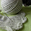 Knitting Pattern * Triangle Scarf with Leaves Border