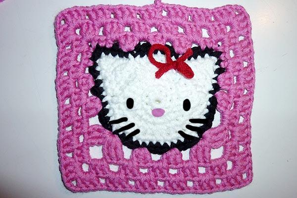 h keln hello kitty granny square stricken und h keln mit elizzza. Black Bedroom Furniture Sets. Home Design Ideas