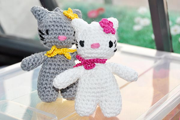 h keln hello lucy hello lomo amigurumi stricken und h keln mit elizzza. Black Bedroom Furniture Sets. Home Design Ideas