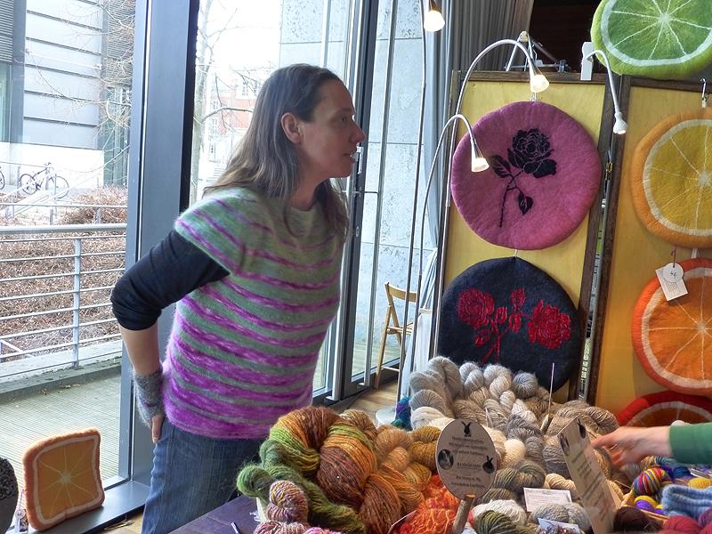 Claire Metz und ihre Seidenhasen