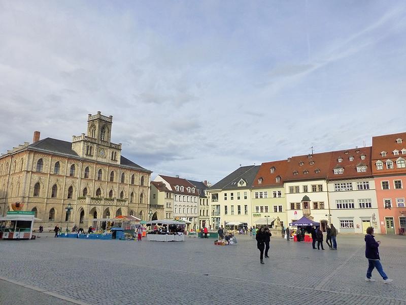 Weimar Marktplatz am Morgen